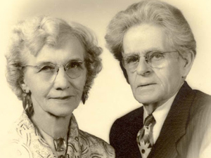 Perfect Understanding: The Romance of John and Mona Neihardt