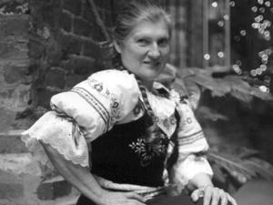 Lorraine J. Duggin